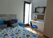hab 3 cama escritorio armario 001
